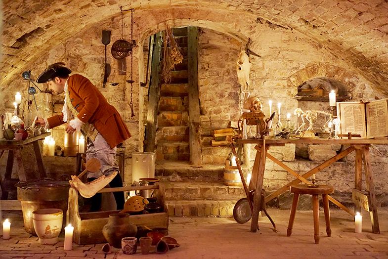 Alchemie und Alltag, Gotisches Haus in Brandenburg